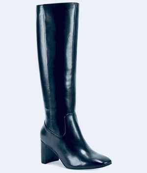 REDUCED ~ New Marc Fisher's Revela square-toe boots for Sale in Newburgh, IN
