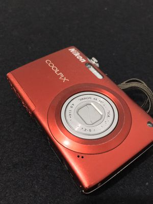 Nikon COOLPIX S205 - 12.0 Megapixeles Digital Camera - TESTED: Works! for Sale in Houston, TX