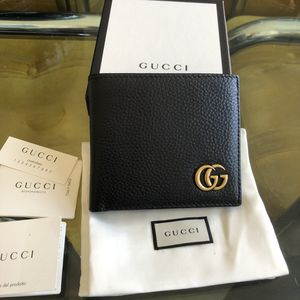 Gucci Marmont Black Bifold Wallet for Sale in Long Beach, CA