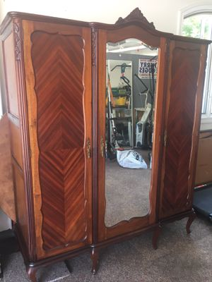 French Antique Armoire!! for Sale in Encinitas, CA