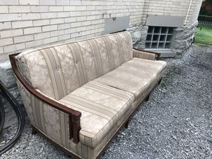 Sofa for Sale in Pittsburgh, PA