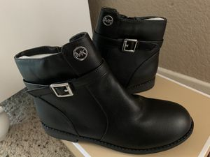 Girls boots size 4 for Sale in Rialto, CA