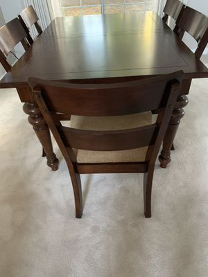 Breakfast table with 6 cushion chairs Brown for Sale in Fremont, CA