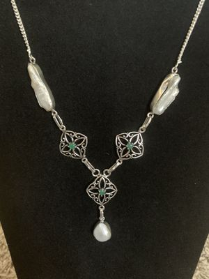Sterling silver pearl and green Emerald necklace $40 firm for Sale in Elk Grove, CA