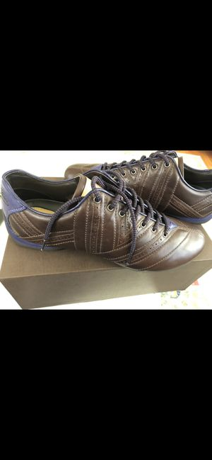 Louis Vuitton sneaker low top driver sz 10.5 for Sale in Irvington, NY