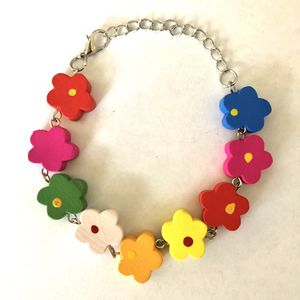 🌼 Fun colorful floral daisy wooden bead bracelet - new for Sale in Carlsbad, CA