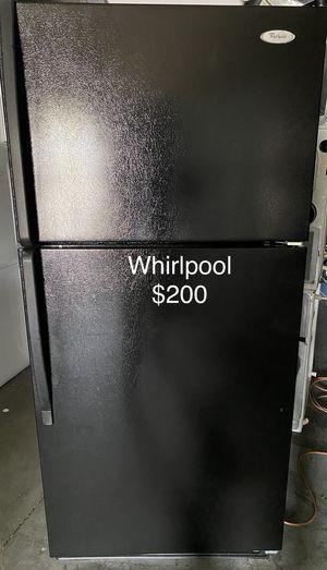 Whirlpool fridge refrigerator for Sale in Miami, FL