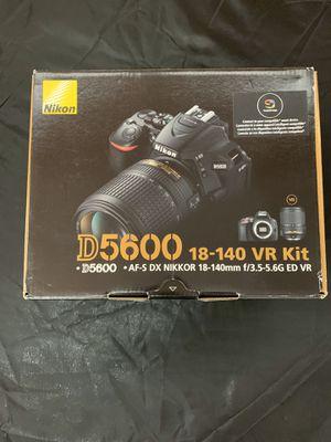 D5600 DX-Format Digital SLR w/AF-S DX NIKKOR 18-140mm f/3.5-5.6G ED VR for Sale in Coral Gables, FL
