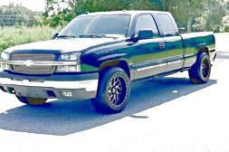 ֆ14OO 4WD CHEVY SILVERADO 4WD for Sale in Desert Hot Springs, CA