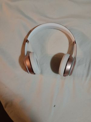 Trade for airpods. Beats solo 3 for Sale in Clovis, CA
