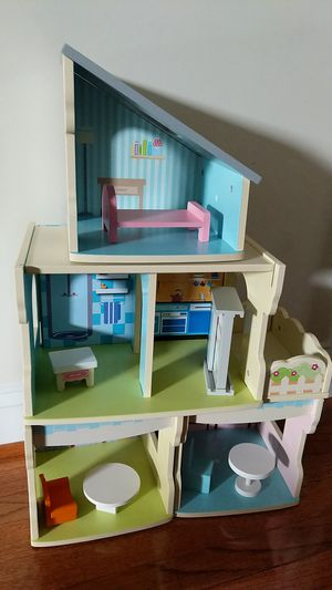 Kid's Interchangeable wood Doll House for Sale in South Riding, VA