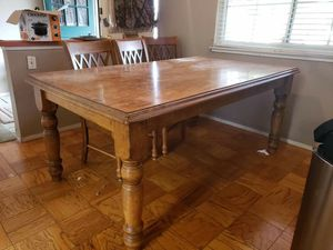 Dining room table for Sale in San Jose, CA