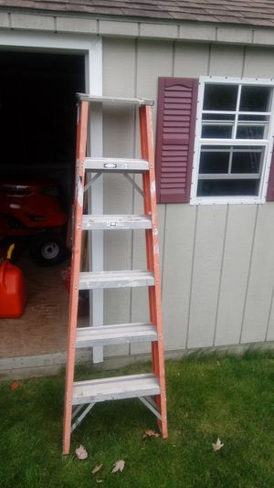 6FT WERNER CLASS 1A FIBERGLASS STEP LADDER for Sale in Beacon Falls, CT