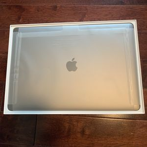 "15"" MacBook Pro 2019 i7 w/Touchbar for Sale in Boston, MA"