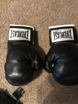 Boxing gloves for Sale in Raleigh, NC