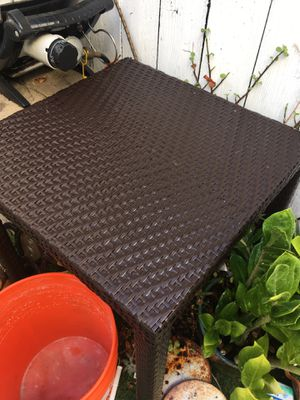 Square outdoor table for Sale in HUNTINGTN BCH, CA