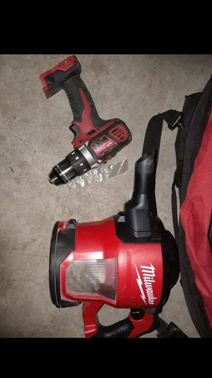 Milwaukee 18v vacuum and circular saw for Sale in Austin, TX