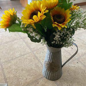 Tin Flower Vase for Sale in Bakersfield, CA