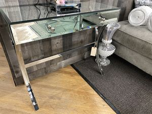 MIRROR CONSOLE TABLE for Sale in Delanco, NJ