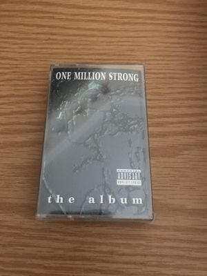 ONE MILLION STRONG THE ALBUM 2PAC NOTORIOUS BIG CASSETTE TAPE 1995 RAP NEW SEALED for Sale in Portland, ME