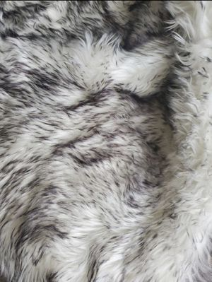 Rug 8x10 faux fur, very nice, good condition , white and grey color.I'm selling because I changed my decoration!!! for Sale in Spring, TX