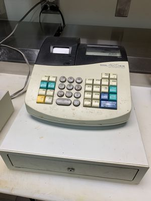 Royal 425cx Cash Register for Sale in St. Charles, IL