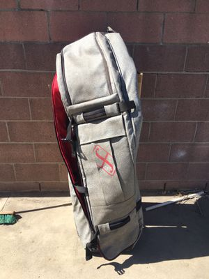 Forum Snowboard Deluxe Roller Bag for Sale in Long Beach, CA