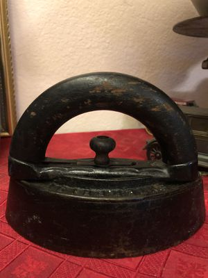 late1800s. Antique Enterprise Cast Iron Sad Iron with Wood Handle for Sale in Jurupa Valley, CA