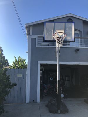 """Lifetime 54"""" portable adjustable basketball hoop for Sale in Placentia, CA"""