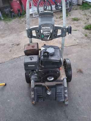 Pressure washer don't know what's wrong with it for Sale in Laton, CA