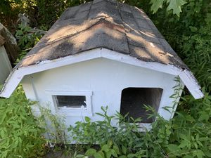 Dog house for Sale in WARRENSVL HTS, OH