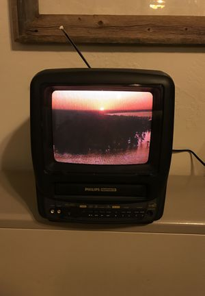 """Phillips Magnavox CCA092AT 9"""" Color Gaming CRT TV/VCR VHS Combination Combo for Sale in Heber, AZ"""