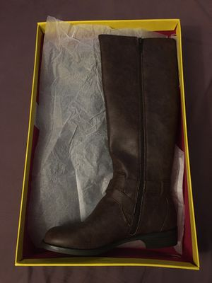 Kenneth Cole reaction brown Calf high boots Gwen size 7 for Sale in Wichita, KS