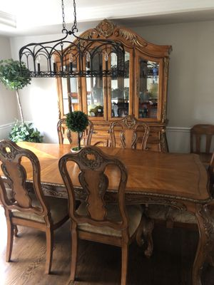 Like new dining table and cabinet set for Sale in Lexington, KY