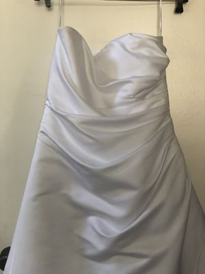 Wedding gown David's bridle for Sale in Victorville, CA