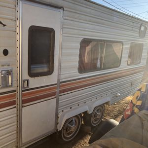 1980 komfort trailer 19 ft for Sale in Escondido, CA