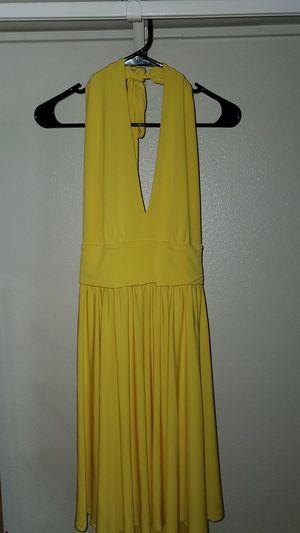 Yellow dress, moda international for Sale in Oceanside, CA