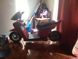 Razor scooter for Sale in Tampa, FL