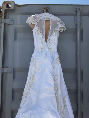 WEDDING DRESS for Sale in Long Beach, CA