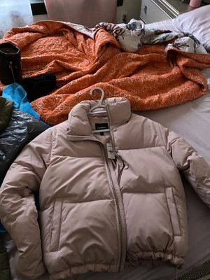 Express puffer coat (sz small) for Sale in Chicago, IL