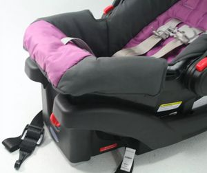 Graco Snug ride car seat for Sale in Yakima, WA