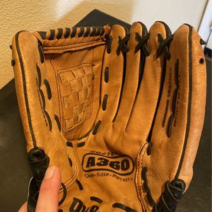 Softball Glove, Wilson A360 for Sale in Apple Valley, CA