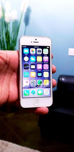 32GB UNLOCKED IPHONE 5 WORKS GREAT TMOBILE ATT METRO CRICKET WORLD USE for Sale in Atlanta, GA