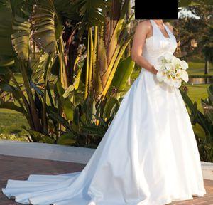 Wedding dress size 4-6 for Sale in Orange, CA