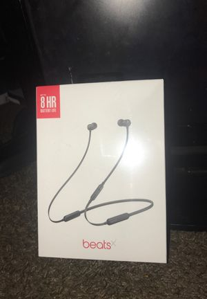 Wireless Dre beats with 8 Hour battery life. for Sale in Detroit, MI