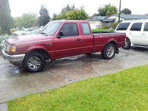 Ford ranger 1996 estándar 5 velocidades. 4 cilindros. 8 bujías. Paso el smog no necesitas hacérselo. Placas pagadas for Sale in Dos Palos, CA