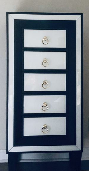 Beverly J Tall 5 Drawer Luxe Accent Chest for Sale in Costa Mesa, CA