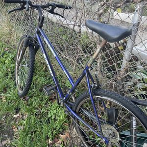 Mountain Bike for Sale in Camden, NJ