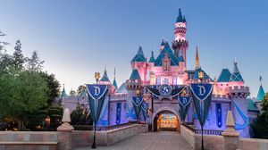 NEED 2 DISNEYLAND PARK HOPPER TICKETS FOR 12/11 for Sale in Arcadia, CA