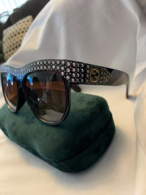 BROWN GUCCI SUNGLASSES for Sale in Phoenix, AZ